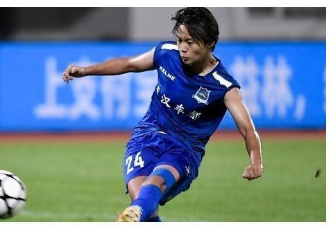 今年女足联赛,王霜加盟的武汉江大女足有几名国脚?能夺冠吗?