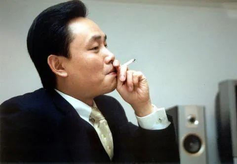 """刘强东、黄峥,为何争相投资这个""""坐牢的人""""?!"""