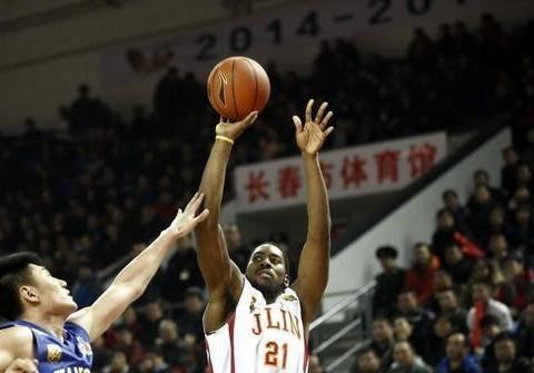 中国男篮利好消息!东南亚劲旅遇麻烦,归化前CBA超级外援失败
