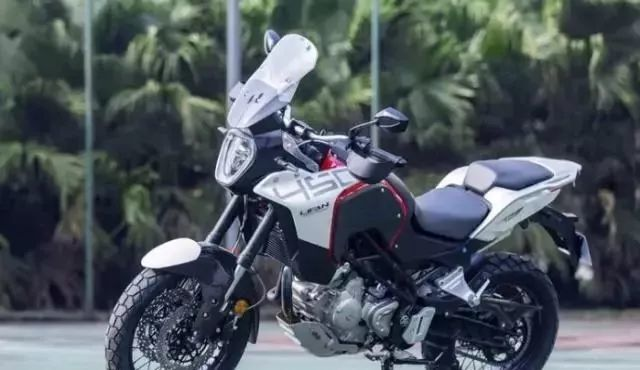 新款国产硬派霸气拉力,标配水冷电喷+高端配置,探险佳骑优选