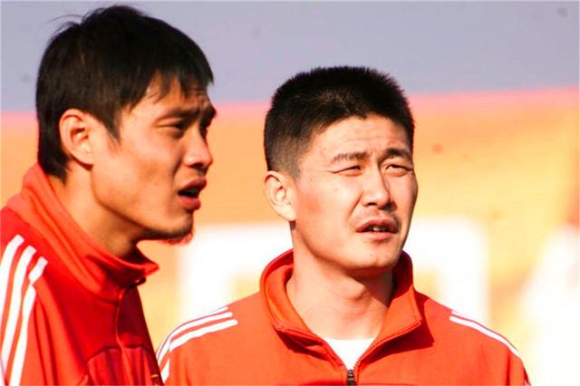 中国足球一代不如一代:从郝海东自认能站着踢,到孙继海感慨万千
