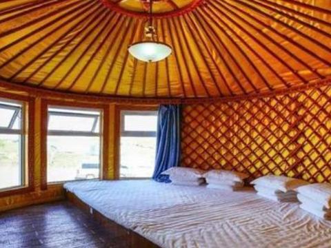 在蒙古包里过夜,为何不能碰床头的红绳?别怪我提醒你!