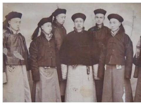 八旗子弟今何在?和珅的后代在黑龙江种田,至今还是保留祖先习俗