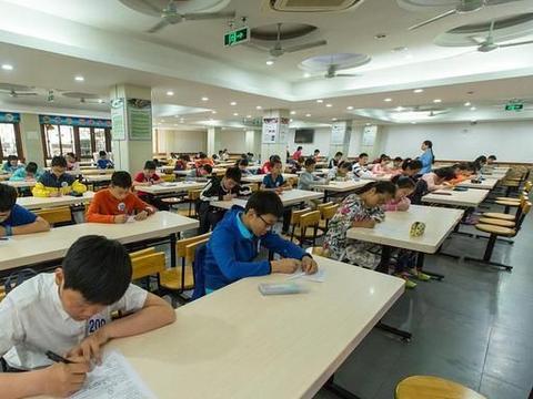 老师做高考试卷,全科总分加在一起,会高于自己班最好的学生吗