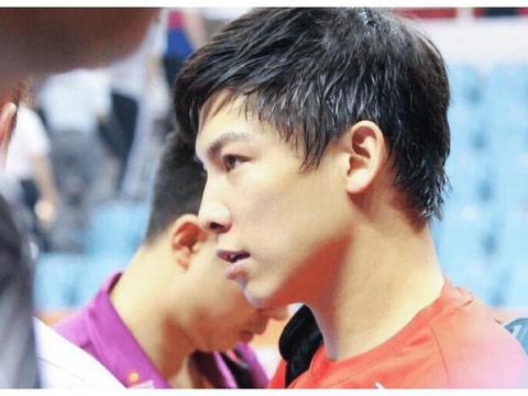 作为曾经的奥运冠军,陈玘以前脾气火爆,现在是优秀的教练