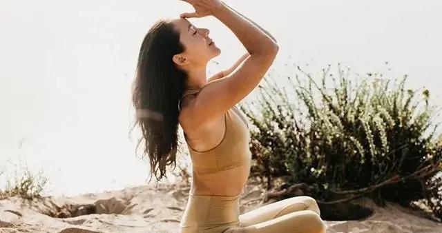 瑜伽初学者在家不知道练什么?这套序列赶紧收藏