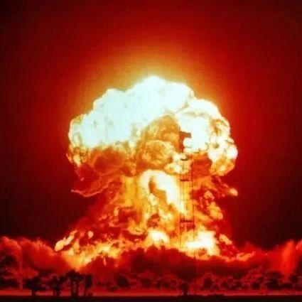 中国承诺不首先使用核武器,但给出了3条红线,谁敢触碰必遭反击