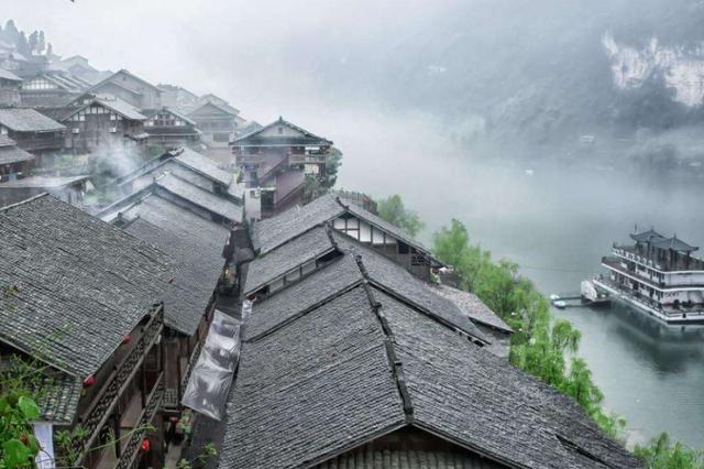 重庆又一景点走红,比凤凰古城仙气,门票16少有人知