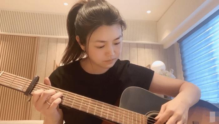 陈妍希37岁生日写歌送粉丝,自侃唱得烂,陈晓不在身边发文送祝福