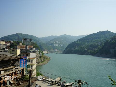 陕西秦巴山巅有座小庙推门就能望见汉江,还有古洞可以直通四川