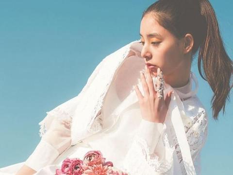 新木优子登上时尚杂志《ar》,晒出一系列夏季写真