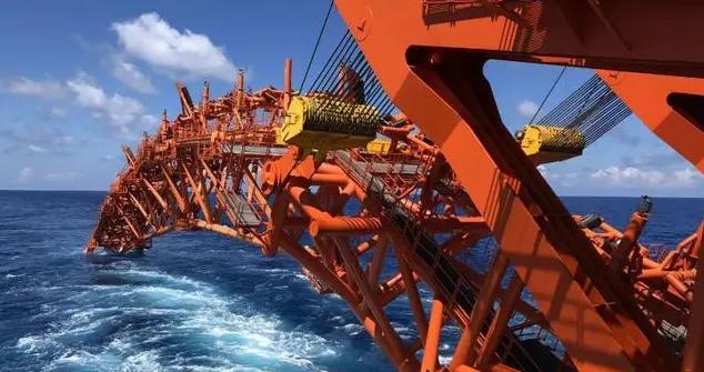 厉害!中国成功创下海底管线铺设水深新纪录,长达1542米