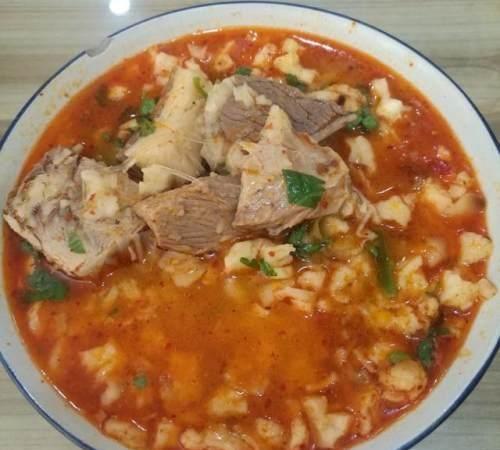 陕西名吃羊肉泡,到底是叫羊肉泡馍,还是羊肉煮馍