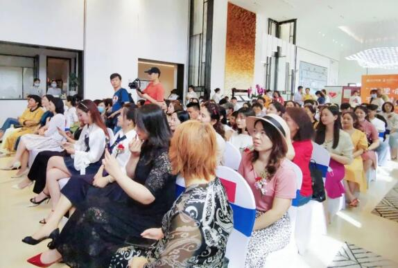 潇湘宝妈NEWS 潇湘晨报&时代印记公益名师课堂完美落下帷幕