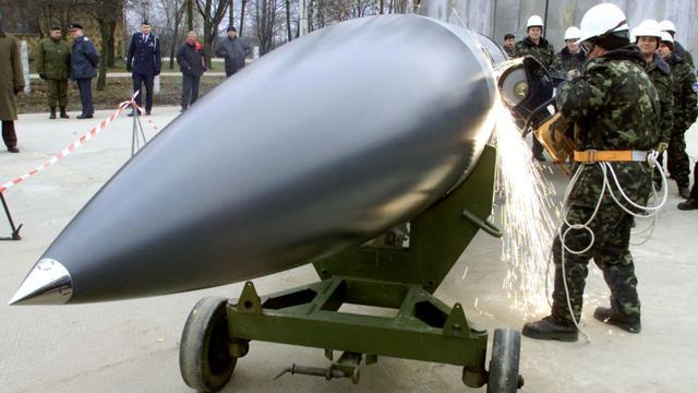 美俄罕见联手绞杀,乌克兰放弃3800枚核弹,30年后才发现被骗