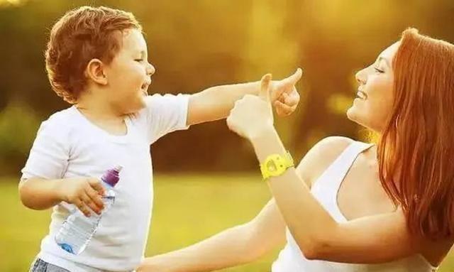 """家有男孩怎么养?这2种教育方式容易养出""""妈宝男"""",家长要注意"""