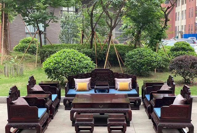 国宾沙发的渲染与红色紫檀和百香果 红木