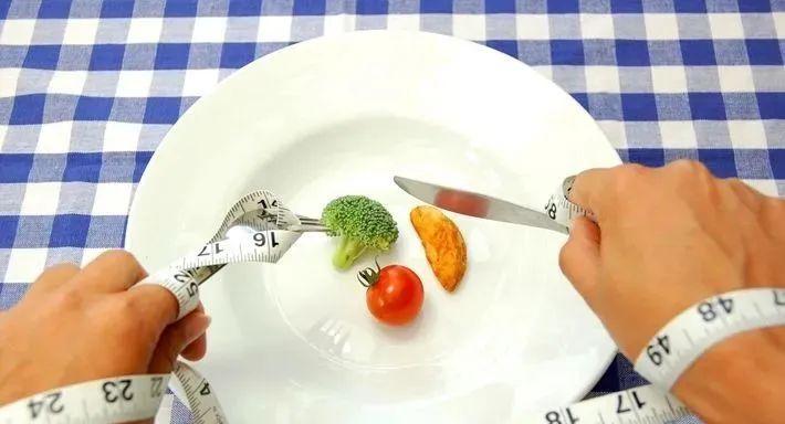 每天这个时间排便的人,可能更长寿!3步调理,摆脱便秘、腹泻!
