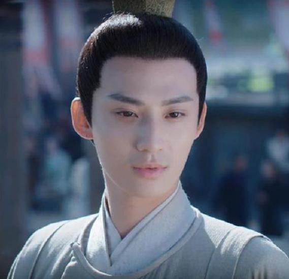 《月上重火》热播,夏轻眉很面熟,他14岁就获陈凯歌的青睐