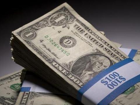 美国疯狂印钞下,美联储是最大接盘者,抛售美债对美国影响不大!