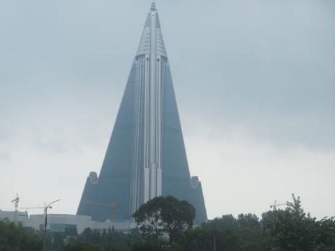 全球首家百层饭店,斥资53亿建了28年,从未开张如今已成烂尾