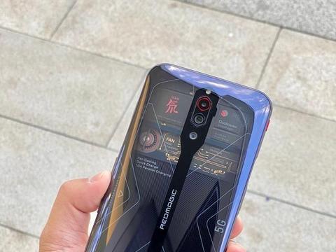 手机风向标:红魔5G氘锋透明版有点帅,这样的设计未来会火吗?