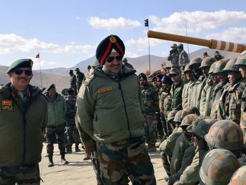 美国公开拉偏架后,印度王牌山地师出动,巴铁警告:若开战必败