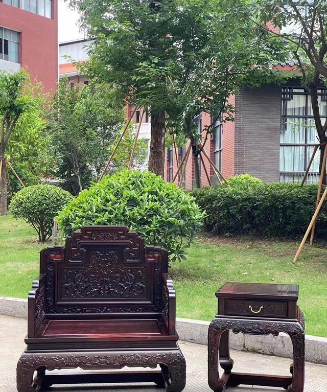 大红酸枝西番莲国宾款沙发生漆完效果图红木家具