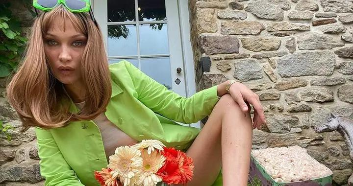 Bella Hadid换上刘海Lob发型,变成90年代复古女郎