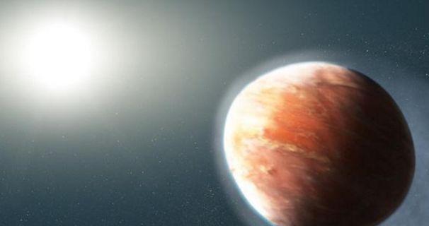 """科学家发现距地900光年的""""热木星"""",外形像足球,常下宝石雨"""