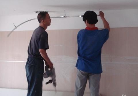 新房装修,2种东西别装家里,我家用后,通风1年甲醛还超标