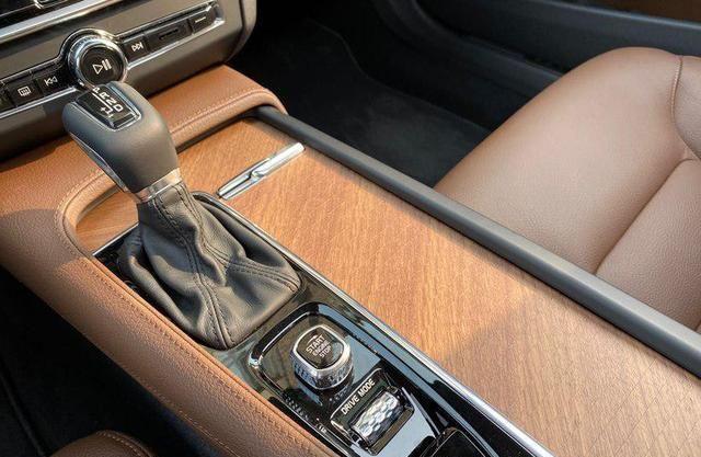 工作4年,37万拿下沃尔沃S90,提车4个月,车主说了大实话