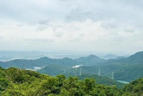 东莞最不务正业山峰,明明可以靠颜值,却因相亲火遍粤港澳