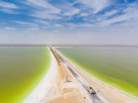 """中国最大的盐湖,又被称为""""世界上最值钱的湖泊"""",就藏在青海"""