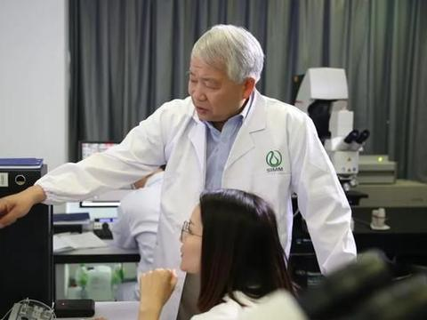 潜心研发抗肿瘤新药的丁健院士:做出老百姓用得起的好药郜阳