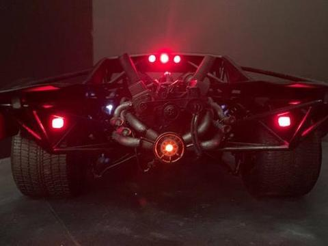 新版《蝙蝠侠》曝光概念图 蝙蝠车设计突出真实感
