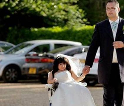 她被诊断为先天脆骨症,如今嫁入豪门生活幸福