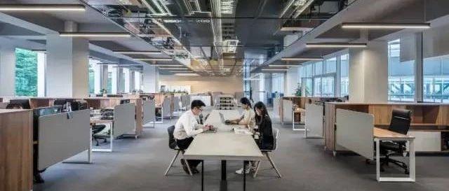 1/3栋楼被搬空,创业者逃离写字楼:宁赔1.5个月租金也要退租