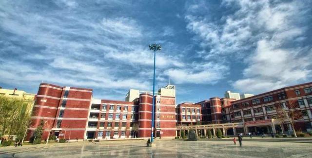 甘肃省内知名高校,甘肃中医药大学和兰