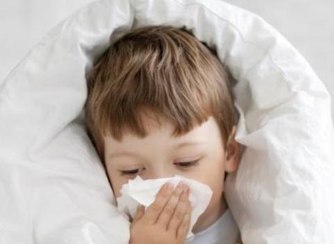 小儿咳嗽反复不停,乡下外婆:把这个加冰糖炖,喝完立马见好