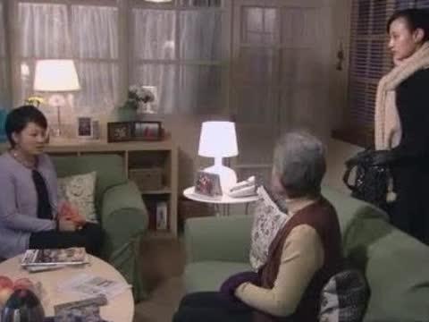 母亲焦急等女儿回家,奶奶一番话说破她真实想法,心虚不敢顶嘴