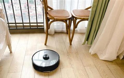 浦桑尼克扫地机器人有用吗?看看明星李湘在直播间怎么说