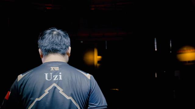 Rookie回忆Uzi退役,那一晚大家都哭了!乌兹他为LPL付出太多