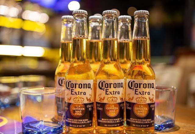 """生啤酒、熟啤酒哪个好?买啤酒时认准""""这2行字""""都是好啤酒"""