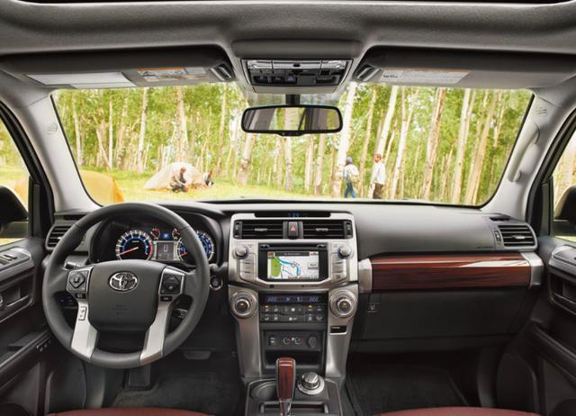 4.0LV6进口越野只卖40多万,丰田出品,比3.5L普拉多划算多了