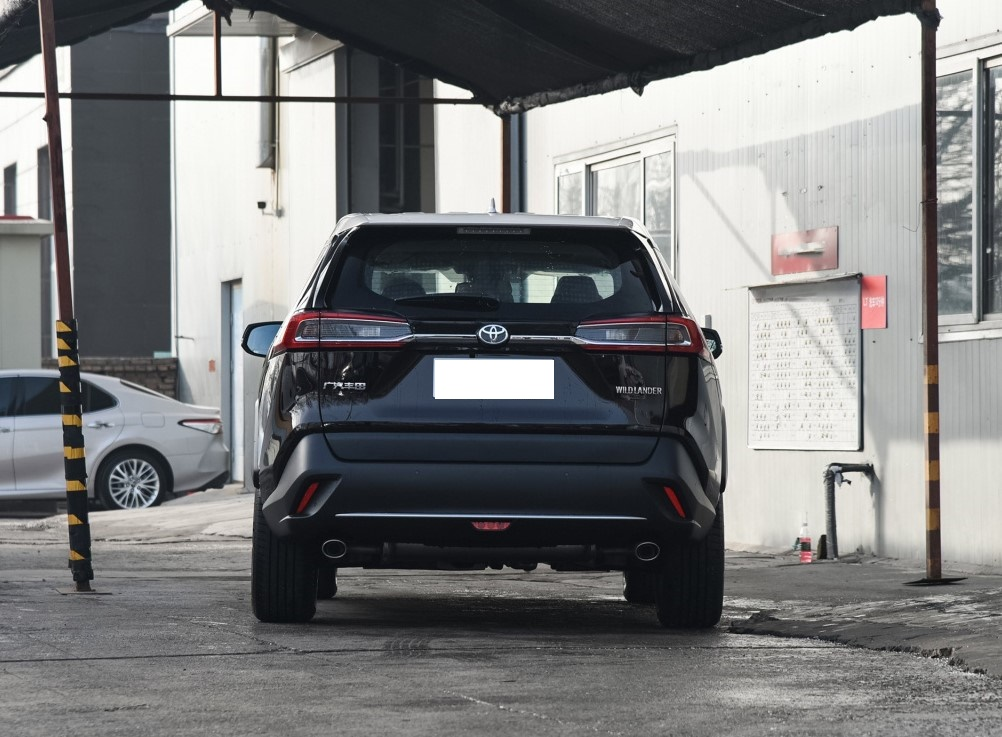 丰田全新SUV上市!进口2.0L+CVT,不足18万起,开出去迷倒一片