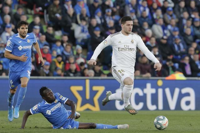 罗贝托和塞梅多不加盟曼城,德里赫特称誉C罗,AC米兰方针约维奇