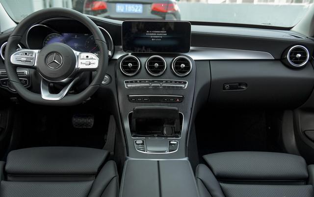 30万左右预算,坐着舒服、开着有面的车型盘点,BBA只有一款上榜