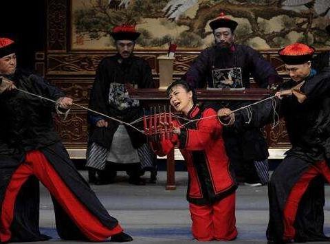 """清末四大奇案""""杨乃武与小白菜"""",为何会导致上百名官员被革职?"""