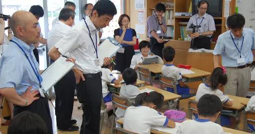 """拒绝承认历史,篡改多款不同年限""""教科书"""",日本2021教材这样写"""